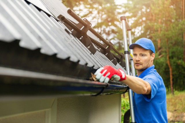 Top 10 Gutter Cleaning Tips